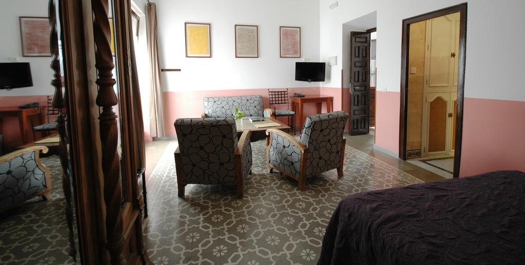 Hotel casa de los azulejos con traventia for Hotel casa de los azulejos cordoba spain
