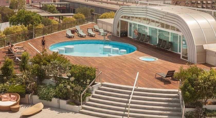 Sercotel sorolla palace con traventia for Hotel oceanografic ninos