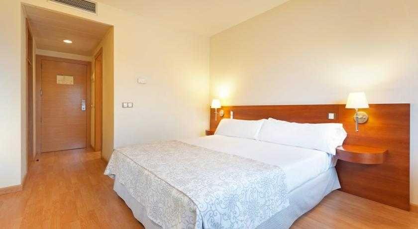 Tryp almussafes con traventia for Hotel oceanografic ninos
